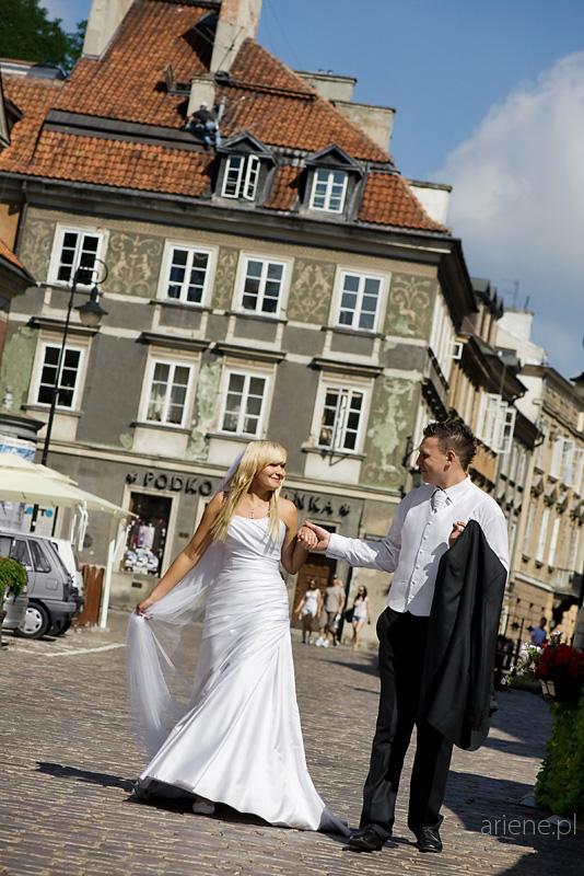 sesja plenerowa poślubna na Starym Mieście w Warszawie