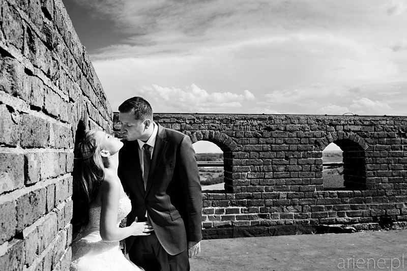 sesja plenerowa ślubna na Zamku w Czersku