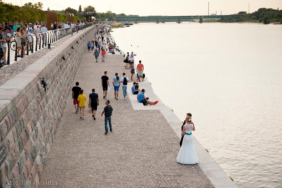sesja ślubna na bulwarach