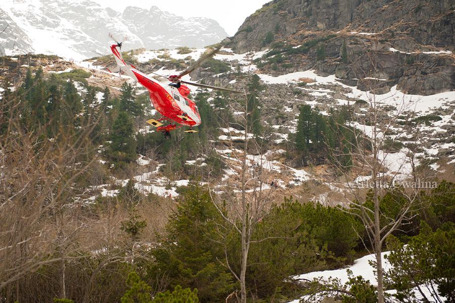 helikopter w akcji nad Morskim Okiem
