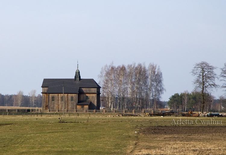 stary drewniany kościółek