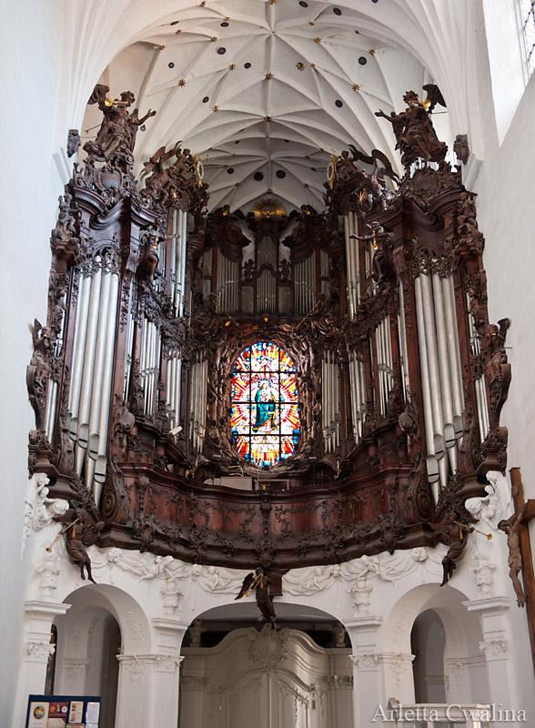 wielkie organy w kościele w Oliwie