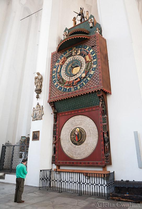 zegar w kościele
