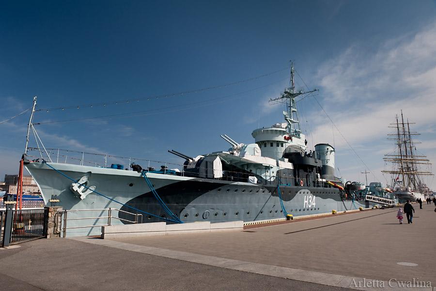 statek Błyskawica w Porcie Gdynia